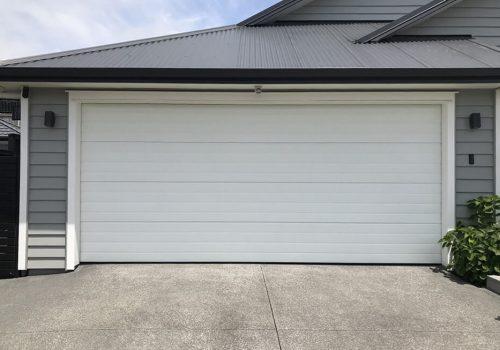 hibiscus-garage-doors-ribline-1