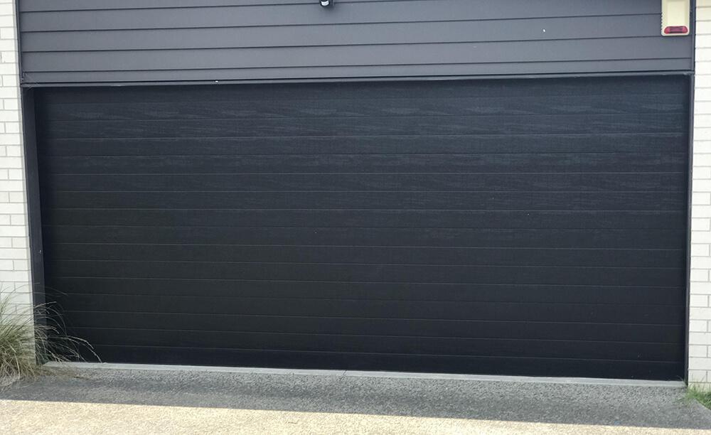 hibiscus-garage-doors-fineline-1