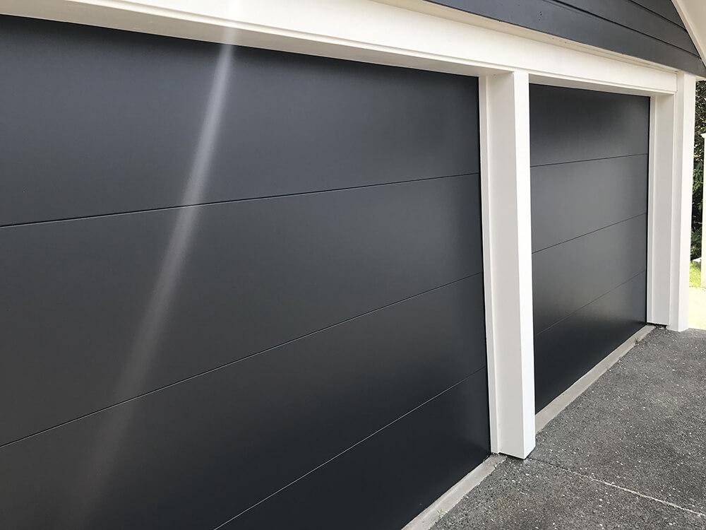 hibiscus-garage-doors-flatline-1