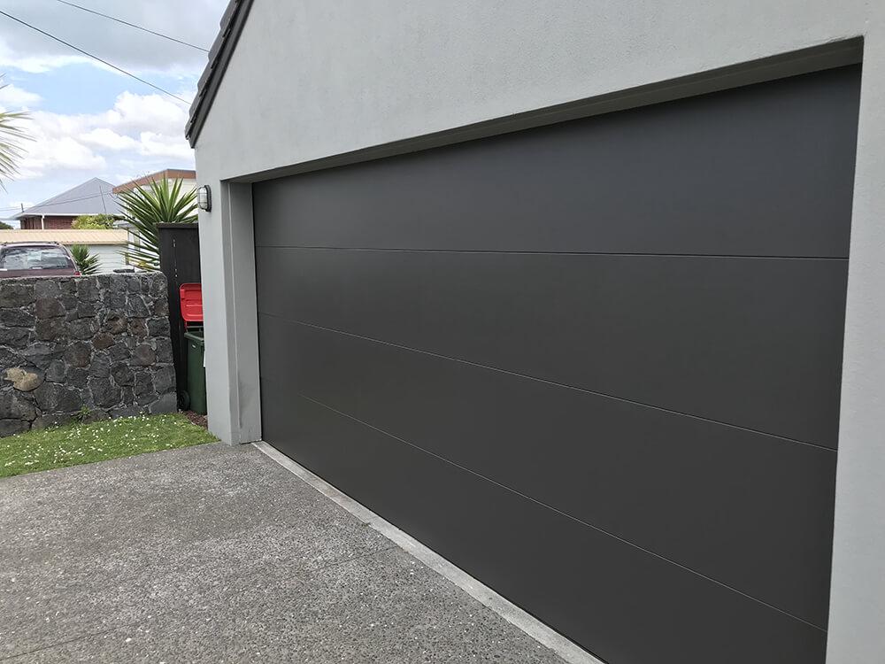 hibiscus-garage-doors-flatline-2